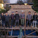 学園祭の堀川茶室をつくる 茅葺き2 10月30日