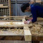 島原の町家改修工事−9 照明に使う板を削る 3月6日