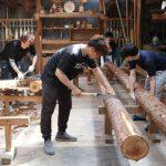 小屋建設プロジェクト−3 丸太の皮むき 5月16日