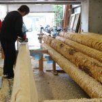 茶園小屋を建てる−1 丸太を削る 2月21日