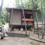 竹林小屋建設−21 建具を立てる 5月30日