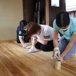 島原町家の床の蜜蝋ワックス塗り 6月6日