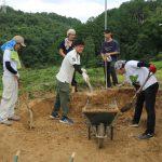 宇治茶園小屋建設−8 壁土を採取 8月1日